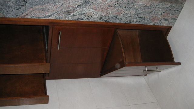 mueble para ba o con cajon para ropa sucia carpinteria